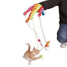 Spielzeug für Katzen - Handschuh mit den Mäuschen